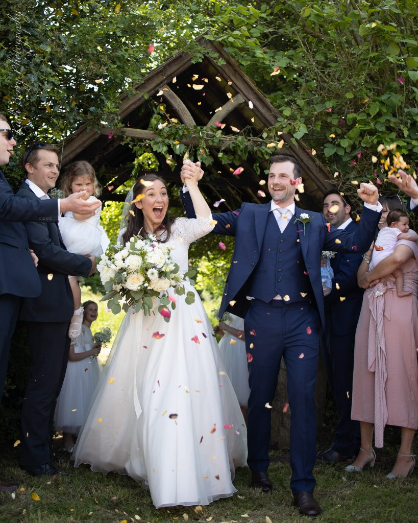 Confetti & cheering at St Michael's Church... by Kadi Berry Photography, Wales